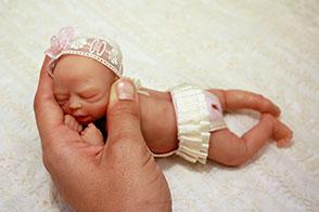 Bebés de silicona en miniatura